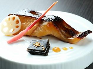 思わず唸る美味しさの『銀だら西京漬炭火焼』
