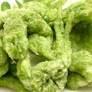 注文が入ってから炙ったカツオに、塩・ガリ・ゴマ油を盛り付けた、高知でも珍しいカーブの看板料理。