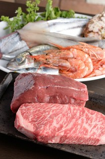 高知から直送の新鮮魚介とこだわりの肉