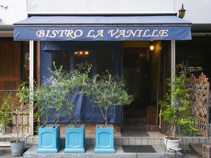 お客様にフランスのビストロの雰囲気をまるごと感じて頂きたい