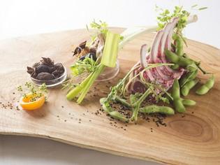 和の食材はもとより仔羊肉もシェフのお気に入りの素材