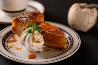 青森の実家で収穫する「りんご」や地元の新鮮な旬の食材を使用