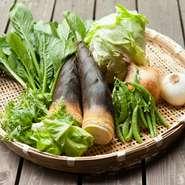 奈良の南部は土質がよく、そこでとれた野菜には、しっかりと土の香りが残っています。灰汁も多く含んでいますが、あえて独特の香りを残しつつ調理するのが【ワンズ・ハート】流です。