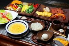 前菜から珈琲まで美味しいもの盛り沢山のコース料理です!