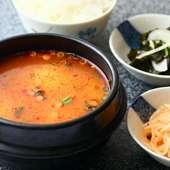 激辛の鍋料理『豆腐チゲ』 辛さはお好みに応じて、調整OK