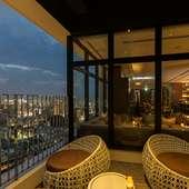 心地良い風とともに。ホテル最上階からながめる那覇の景色