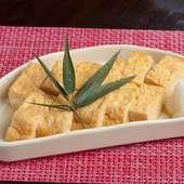 土鍋から立ちのぼる湯気に四季折々の「旬」を感じる。繊細な味付けに職人の技を見る『土鍋ご飯』