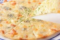 4種のチーズとピッツア