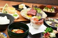 濃厚でまろやかな豆乳に旬の素材『豆乳鍋仕立て』