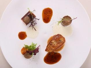 仏料理の高級素材を使用した『フォアグラ・ア・ラ・ヴァニーユ』