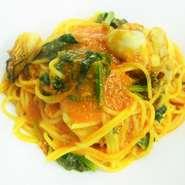 牡蠣と法蓮草のトマトソーススパゲッティー