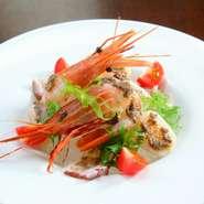 海の幸のカルパッチョ タップナードソース