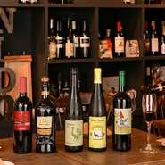 エミリア・ロマーニャ州の郷土料理と良くあうワインをオーナーシェフが厳選し、40~50種類を常備。メニューには載っていないワインもあり、ソムリエならではのお薦めもしてもらえます。気軽に相談を。