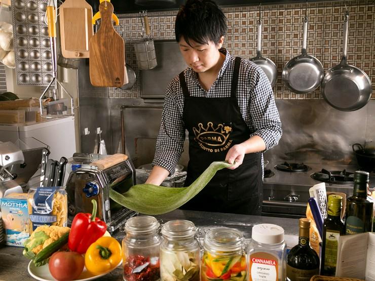 素材やお料理のおいしさの秘密を紹介し、思い出に残るディナーに
