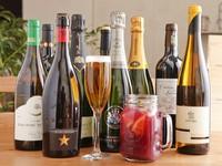 イタリアやフランス、スペインのボトルワインを取り揃えています。赤ワインは、軽い味わいと本格的なタンニンが味わうことができ、肉料理との相性も抜群です。