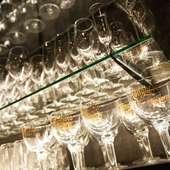 熟成肉の味わいを引き立たせるワインの品揃えが豊富
