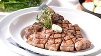 風味と食感が違う2種類のお肉を思う存分味わえる『ポーターハウス』(数量限定) 100g