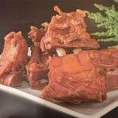 翌日の肌が楽しみになる『豚足醤油煮込み』