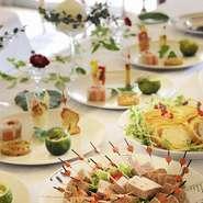 コースお料理もしくは立食パーティープラン テーブルコーディネイト、ウエディングケーキ トータルでプランニング