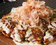 中はふわっふわ、豚バラはカリッと香ばしい関西風の絶品お好み焼き『豚玉』