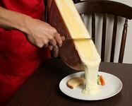 3ヶ国からラクレットチーズが選べ、スイスの食事付きランチコース♪お急ぎの方へお勧めお食事時間約40分