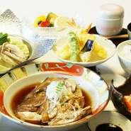 メインの料理を以下よりお選び頂きます。 ビーフシチュー 中華風豚角煮 ハマチカマ焼き 鯛兜煮
