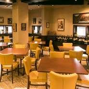 女子会やママ会、誕生日会などさまざまな集まりに最適なレストラン。コース料理やプラス料金でオーダーできる飲み放題もあり内容も充実しています。着席で2Fは40名ほど1Fは20名、立食はそれ以上の人数でも対応可能。