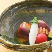 しっとりとした食感に魅了される『河内鴨ロース焼き』
