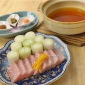 コラーゲンたっぷり『鮪スジトロ葱鮪鍋』で、日本酒女子会