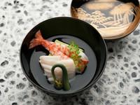 旬の食材で季節の移り変わりを堪能できる『煮物椀』