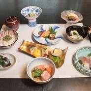 四季折々の美味しさと彩りを、ゆっくりとお楽しみいただけるコース料理です。