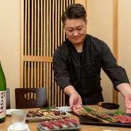 日本酒を楽しんでいただけるお店を目指しています。酸化を防ぐために空気を抜いて保管するなど、杜氏の方が苦労してつくったお酒を、ベストな状態でお客様に提供する事も、おもてなしの流儀のひとつです。
