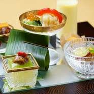 春夏秋冬の美味しい食材をふんだんに取り入れ、それぞれ違う味わいや特色を楽しませてくれる料理長渾身の一皿です。