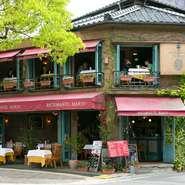 異国に居るかのような非日常空間が広がる一軒家レストラン