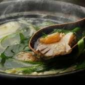 蛤の旨みと九条ネギの風味が相性抜群『地蛤の小鍋』