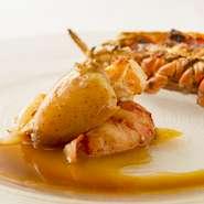 ラ・ドゥールのスペシャリテでもあるオマール。 オマール海老の凝縮された旨味を柑橘系のさわやかな香りがまとめ上げる。