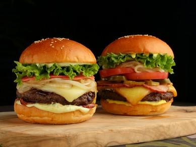 『MATSURI BURGER 和牛ハンバーガー』 VS 『SMOKY BURGER USプライムハンバーガー』