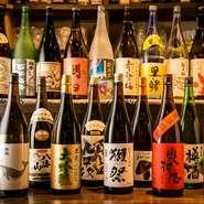 豊富な地酒を楽しめるのもお店の魅力の一つ。全国から入荷する日本酒や焼酎を存分に味わうことができます。人気の奈良のお酒「篠峯」などもあり、訪れる度の楽しみです。