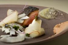季節の食材を中心に、その日、その時の感覚でコース料理をご用意しておりますので、 下記内容は一例です。