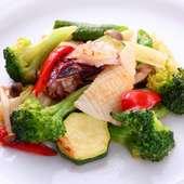 仕入れ次第!一期一会の味わい「海鮮と季節のお野菜の炒めもの」