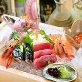 鮮度を保ち、魚本来の美味しさが感じられる『名物 ふらり史上最高! 本気の刺し盛り』