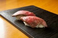 ウニのせ牛寿司