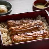 相乗効果で美味しさが増す、老舗の秘伝のタレと鰻