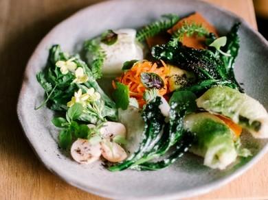 本場の味を少しずつ、たくさん味わえる『前菜の盛り合わせ』