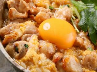 北海道のブランド鶏「中札内若鶏」を使った『親子丼』