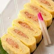 玄界灘でとれるサバを刺身におろし、すりごまと甘めの九州醤油がかかっている絶品料理。おろしたての食感は、プリプリとしており、そう簡単には体験できないでしょう。お造りでの提供もしています。