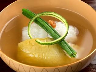 日本料理の味わいの基本となる出汁をとる『昆布』と『鰹節』