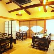 2階のテーブル席。18名様までの完全個室にもなります。 全て、座敷にも変更可能です。
