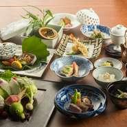 食材は大分県産のものを多く取り入れていて、「野菜」や「魚」などの鮮度には特に気を使っています。自然に恵まれた大分県ならではの味を心ゆくまでお楽しみください。