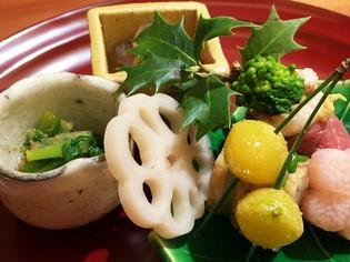 日本の四季の風情を旬の食材と器で織りなす『八寸』